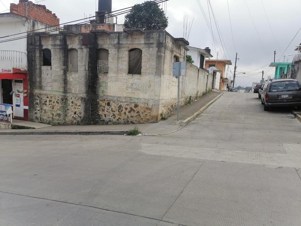 Frente, calle principal